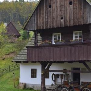 Okolice Kudowy Zdrój drewniana chata